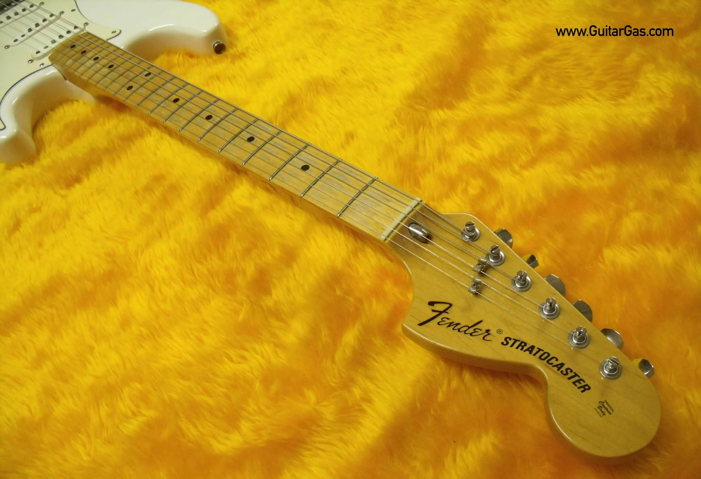 Fender Classic Series 70s Stratocaster Repainted White