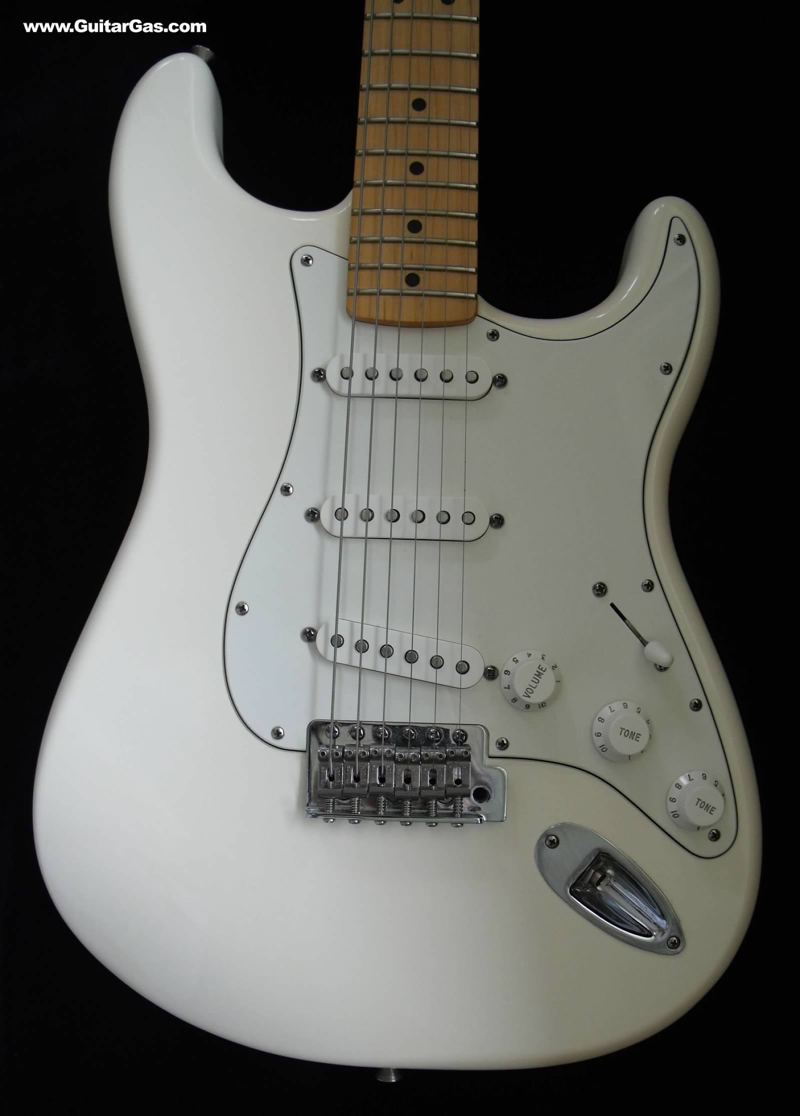 2008 Olympic White Made in Mexico Fender Stratocaster