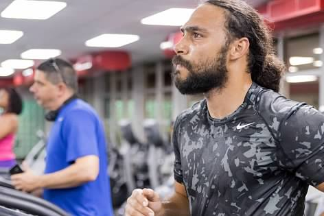 Keith Thurman working out