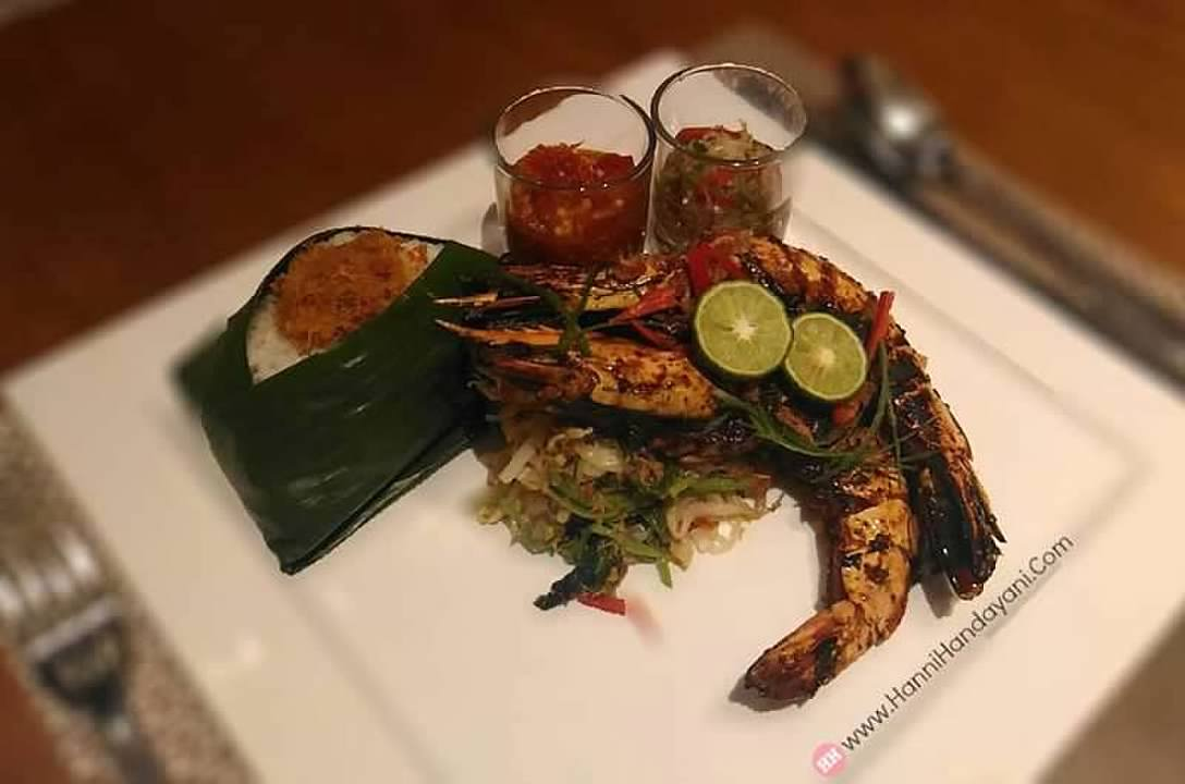 Nasi Ulam Dapur Pelangi with Jumbo Prawn